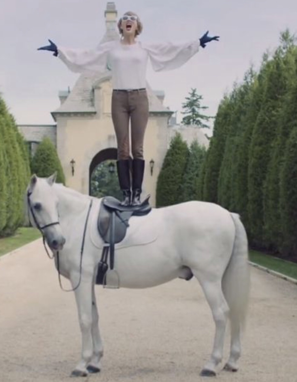 Taylor Swift on a horse